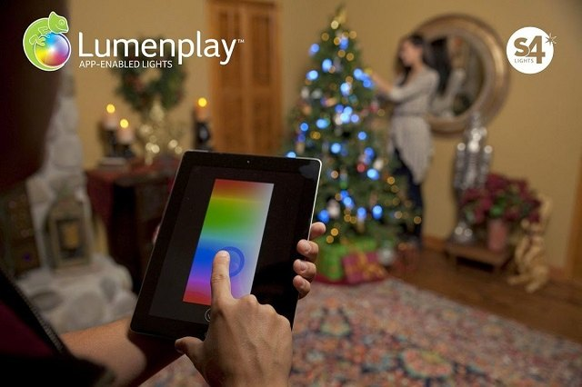 Change Christmas tree light colors endlessly via remote.