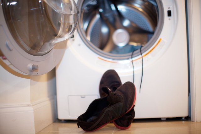washing sneakers in washer machine