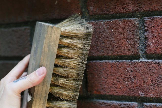 How To Remove Ivy From A Brick Wall With Pictures Ehow