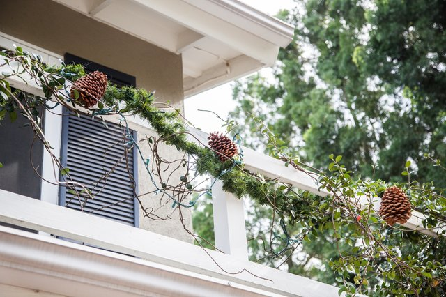 Outdoor Balcony Christmas Decorating Ideas With Pictures