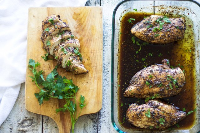 How to Bake Juicy Chicken Breast | eHow