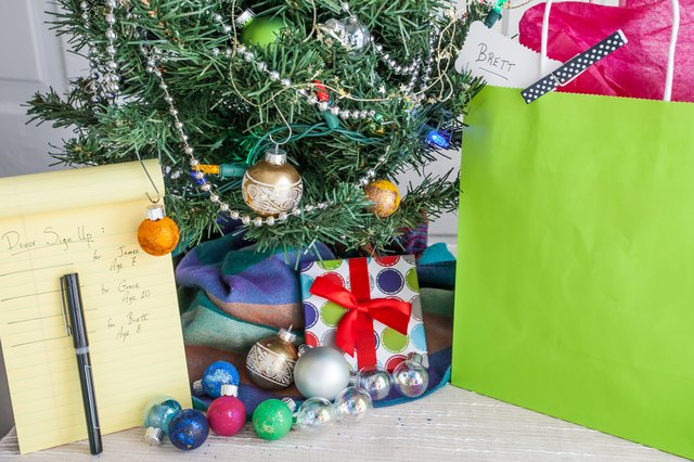 How to Make a Holiday Giving Tree