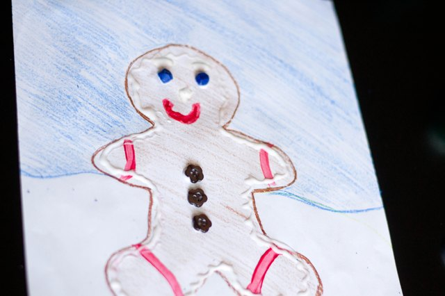 How to Decorate a Gingerbread Man on Construction Paper