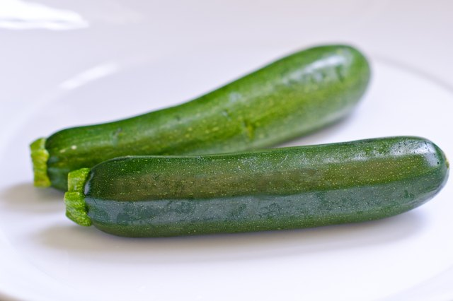 How to Steam Zucchini in a Microwave