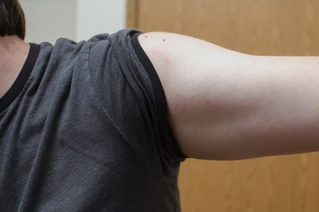 How to Tighten Loose Skin Under the Arms