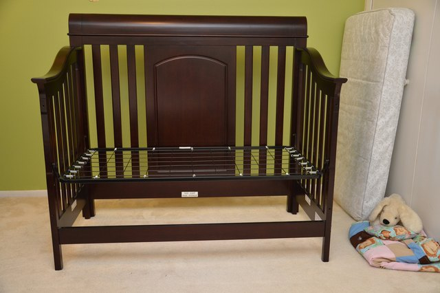 how to convert crib to bed instructions 3