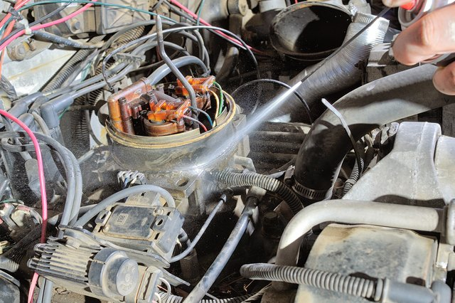 How to Troubleshoot Vacuum Lines in a Chevy S10   eHow