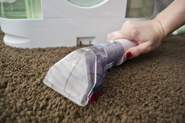 instructions on how to use a bissell carpet cleaner