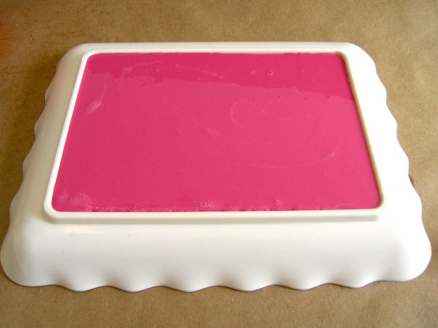 Pour into shallow tray.