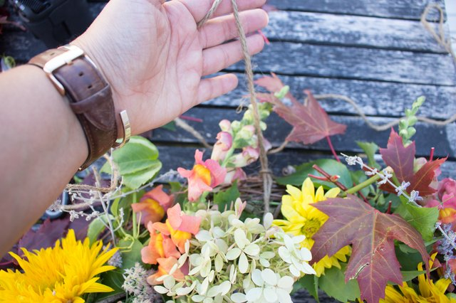 how to make garland using fresh flowers