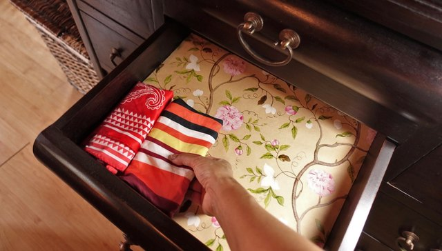 Easy Homemade Scented Drawer Liners Tutorial 2 Ways Ehow