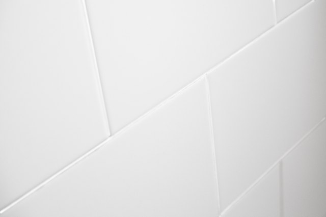 Home Remedies for Cleaning Ceramic Tile Grout