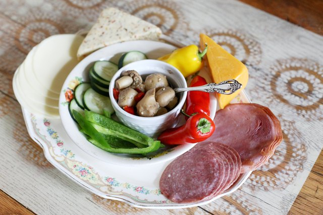 How to Make a Cold Cut Platter