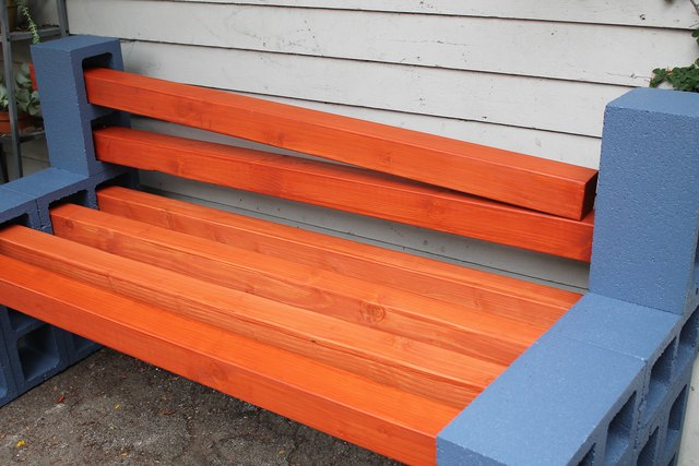 How To Make A Simple Outdoor Bench Ehow