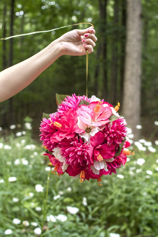 How to make hanging flower balls with pictures ehow for How to hang flowers