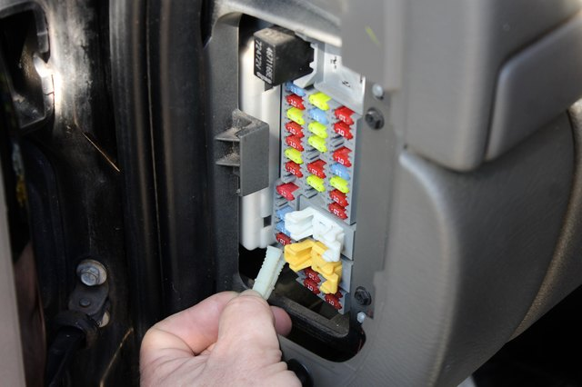how to troubleshoot the air conditioning on a jeep liberty ehow dana dowling demand media
