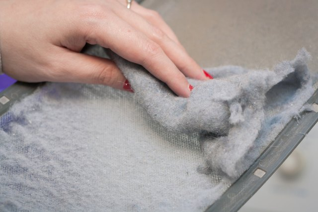 How to Properly Clean a Dryer Lint Trap