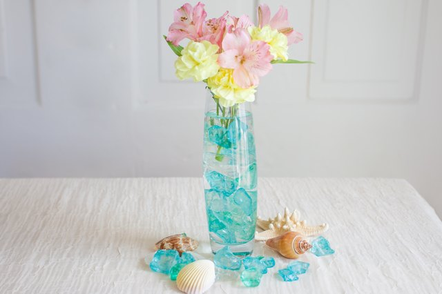 Five crafts using broken glass with pictures ehow for Broken glass crafts