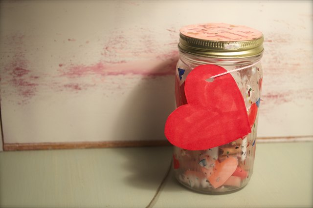 "How to Make an ""I Love You"" Jar"