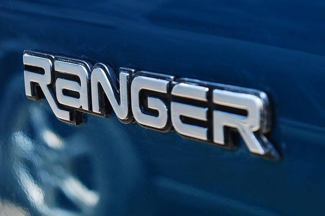 How to Replace a Thermostat on a Ford Ranger