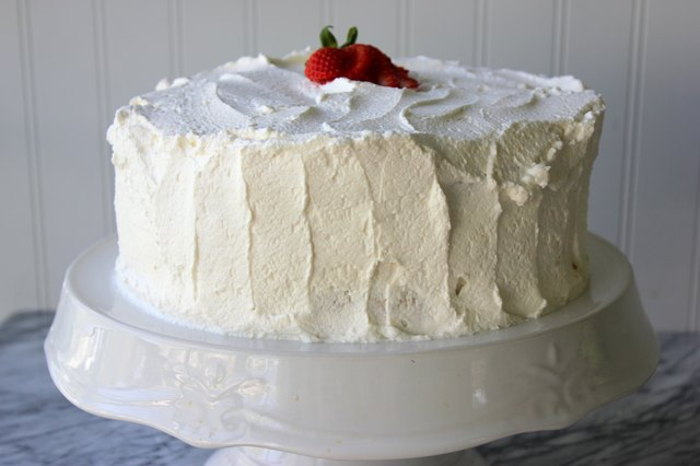 how to keep whipped cream frosting from melting