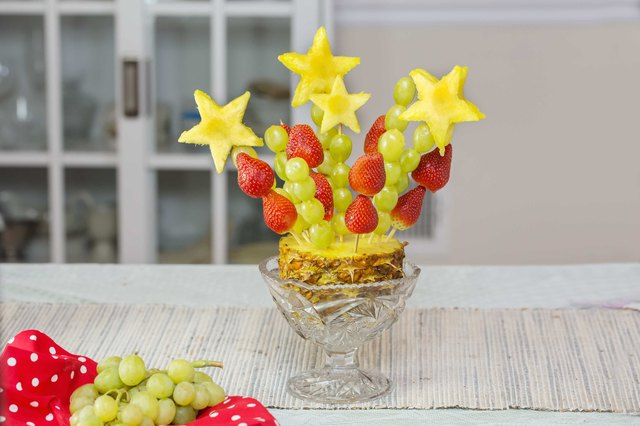 How to Make Edible Fruit Arrangements