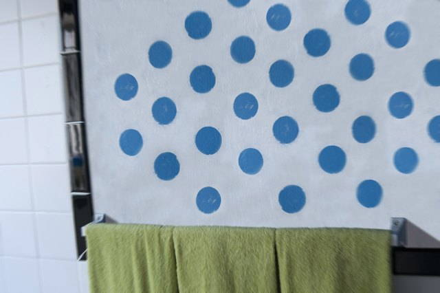 How to Paint Polka Dots on a Wall
