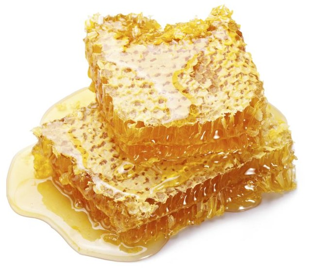 Raw honey can provide allergy relief and soothe a sore throat.