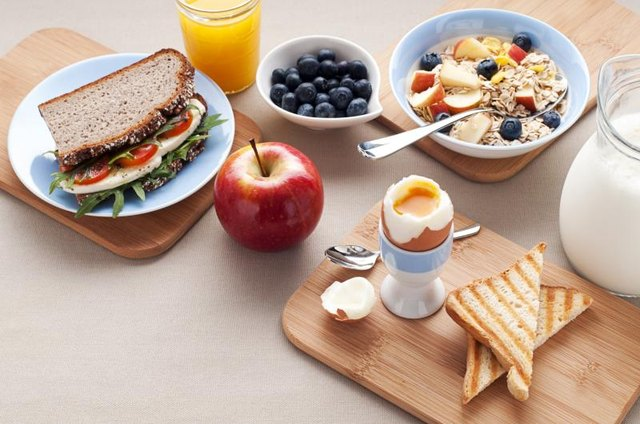 Balanced breakfast and lunch foods high in carbohydrates.