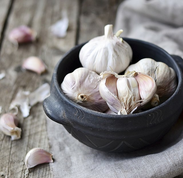 Small bowl of garlic.