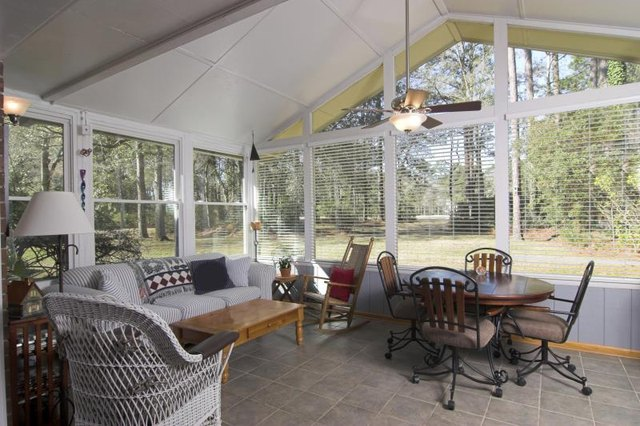 How do i decorate a four seasons sunroom with pictures Solarium designs