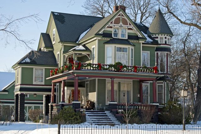 ... the Difference Between a Queen Anne Style Home and a Victorian? | eHow