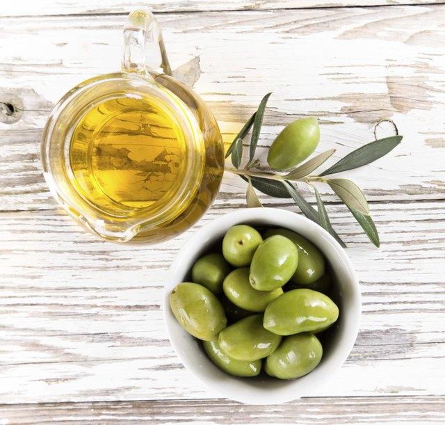 Vitamin E-rich olive oil naturally moisturizes the skin.