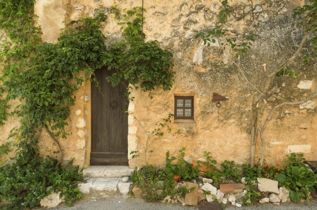 How To Decorate In A French Country Theme In A Tiny