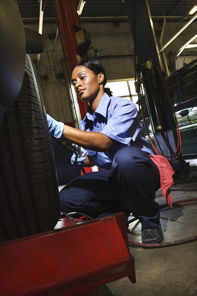 how to become a tire technician