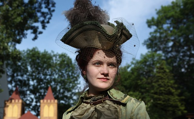 A steampunk enthusiast channels Irene Adler of the