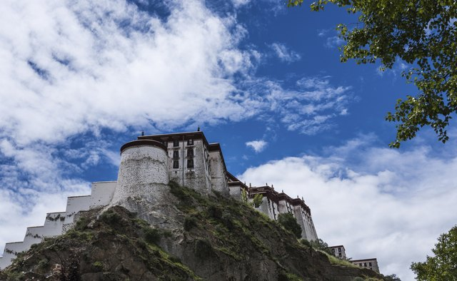 Where can you take a kora around the Potala Palace?