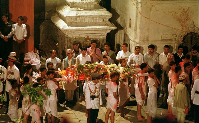 Do You Take Flowers to a Hindu Funeral? | Our Everyday Life