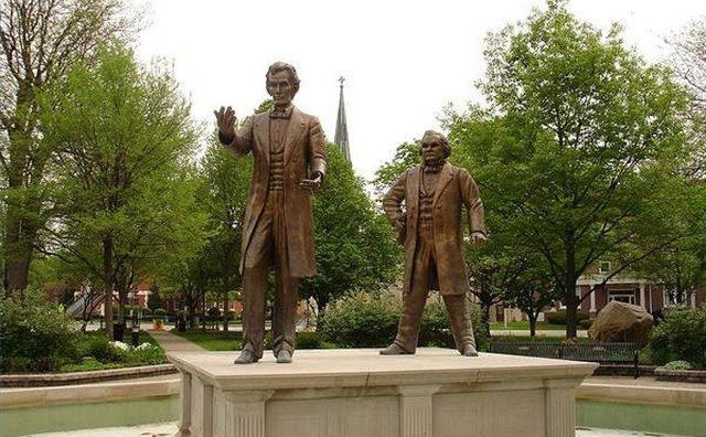 Statue of the Lincoln/Douglas Debates (photo by IvoShandor, CC Attribution ShareAlike 3.0 License)