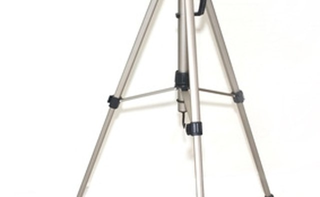 It is advisable to turn off vibration reduction when using a tripod.