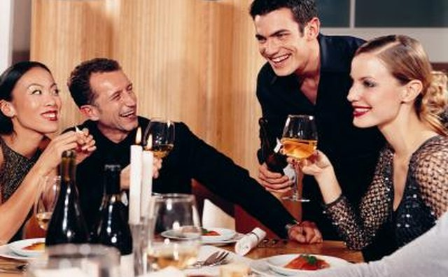 Big dinner parties, barbecues and days at the beach are typical dates in Australia.