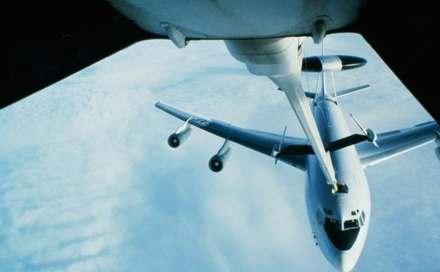Jets refueling