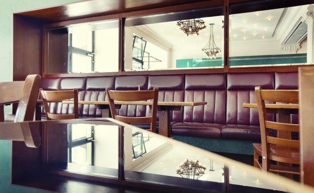 餐厅墙面镜子布局