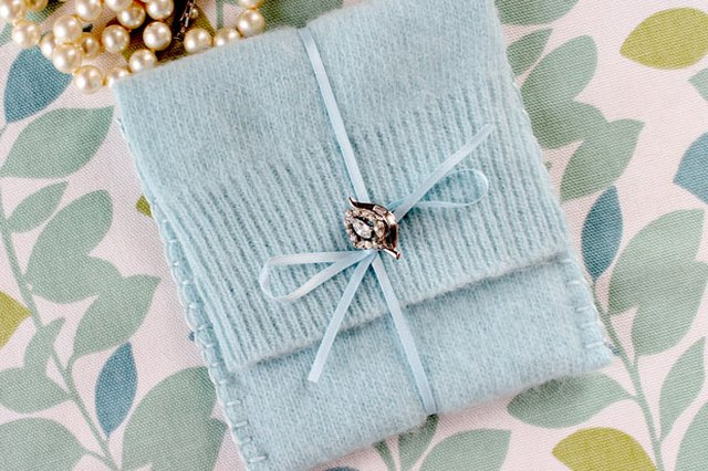 DIY: Felted Jewelry Pouch