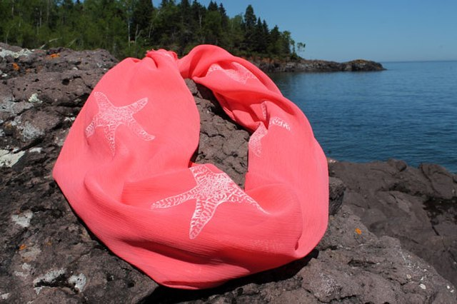 Summer DIY: Nautical-Themed Starfish Scarf