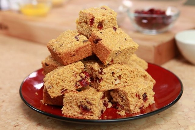 Cranberry-Hazelnut Cornbread Recipe