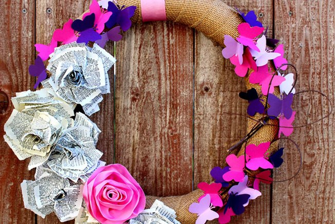 [Article Image] - DIY Lovely Valentine's Day Wreath