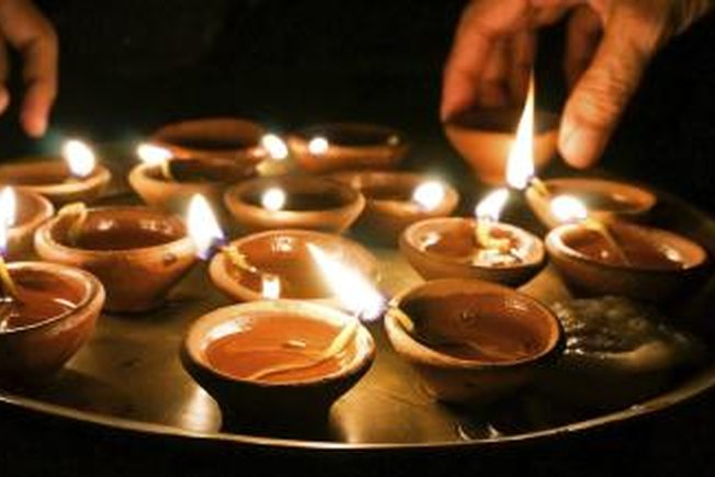[Article Image] - How to Make Diwali Diva Lamps