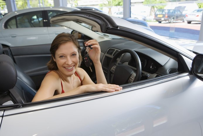 How Do I Ensure a Payment Check Is Good When Selling My Car Privately?