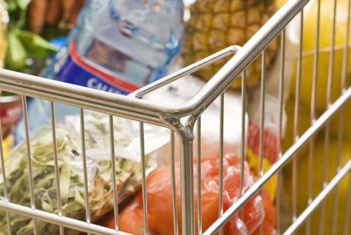 How to Save on Your Monthly Family Grocery Budget